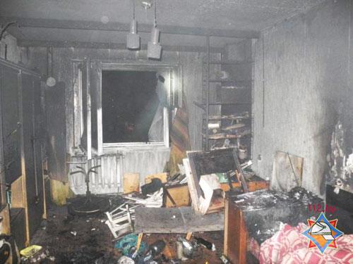 Ранним утром 17 апреля спасателям поступило сообщение о пожаре в квартире жилого дома в Гомеле (по проспекту Речицкий); хозяин квартиры госпитализирован, хозяйку спасти не удалось