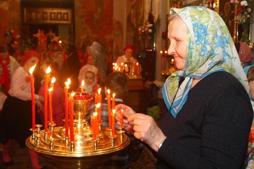 В пасхальных богослужениях, которые состоялись в православных и католических храмах Беларуси, участвовали более 477 тысяч человек