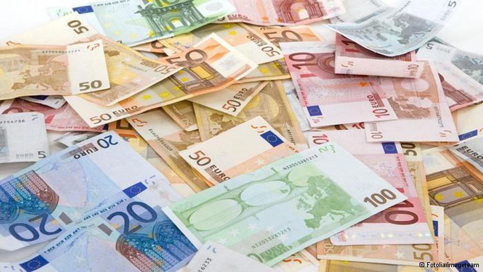 Курс евро и доллара вырос российский