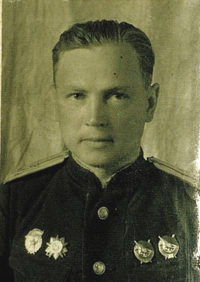 Гвардии капитан Владимир Наржимский, заместитель командира эскадрильи 11-го гвардейского истребительного авиаполка 2-й гвардейской минно-торпедной авиадивизии ВВС Черноморского флота