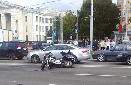 Июнь 2014 г. Минск. Мотоциклист попал в ДТП на проспекте Независимости.