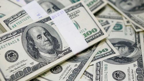 На торгах 10 июня доллар подорожал, евро подешевел