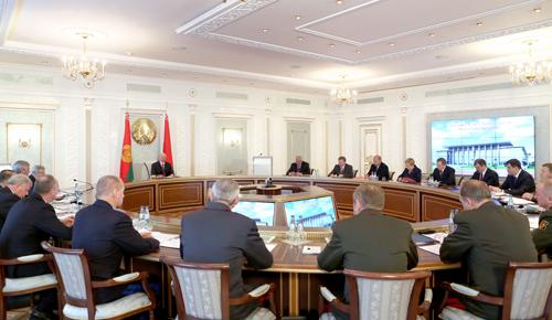 Президент Беларуси провел заседание Совета Безопасности