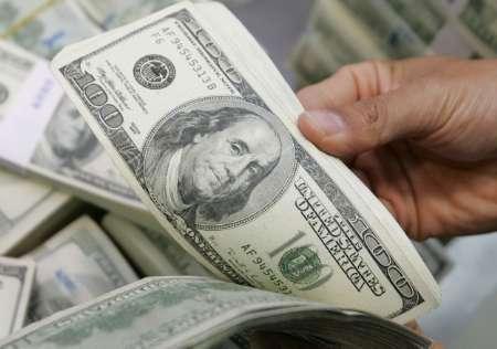 Российский рубль 4 июня подешевел, курс доллара остался без изменений