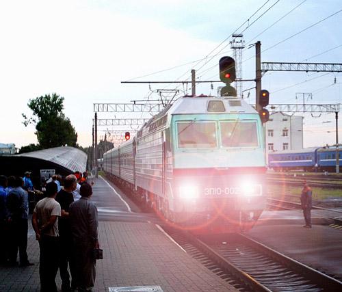 БЖД приостанавливает продажу билетов на отдельные поезда, идущие через Украину