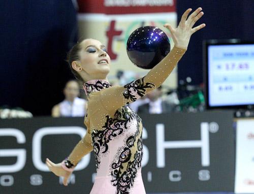 Белорусские гимнастки привезли из Франции две серебряные награды