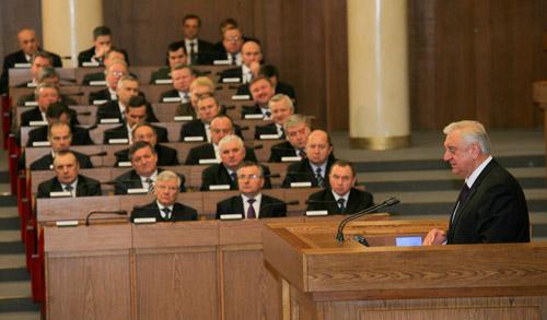 Премьер-министр Беларуси рассказал, на чем страна теряет 1,5 млрд долларов
