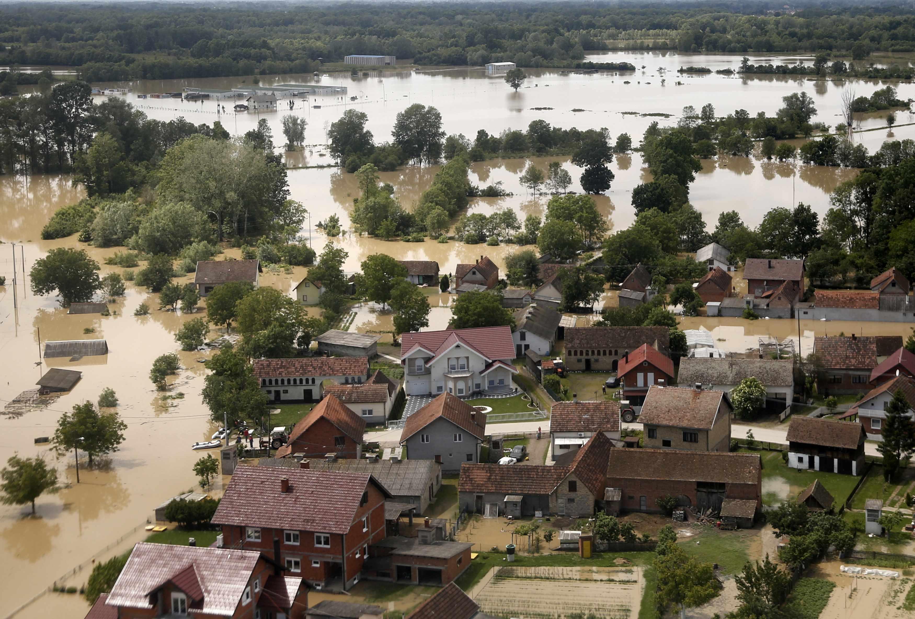 Беларусь направила спасательные вертолеты в Сербию