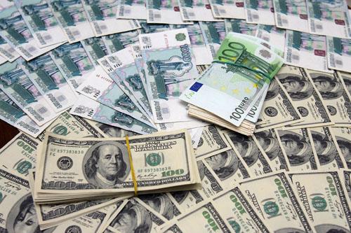 Курс доллара вырос на Br10, евро 30 мая не изменился
