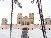 Дворцов заманчивые своды