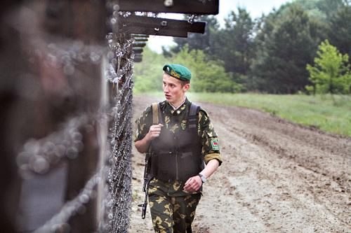 Граница: солдат + технологии. Как нынче ловят нарушителей?