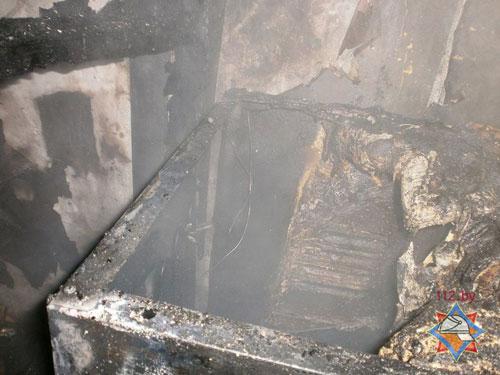 Из горящей квартиры на улице Орловская в Бресте вечером 13 февраля (в 21.37) спасатели вынесли девочку 5 лет