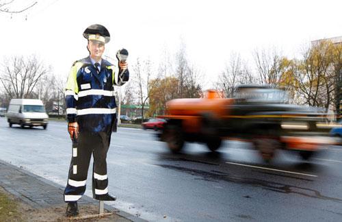 Остановив около 11 утра 3 февраля ВАЗ 2103 под управлением нетрезвого водителя, 34-летнего жителя деревни Мотоль Ивановского района, сотрудники ГАИ поначалу не поверили прибору медицинского освидетельствования