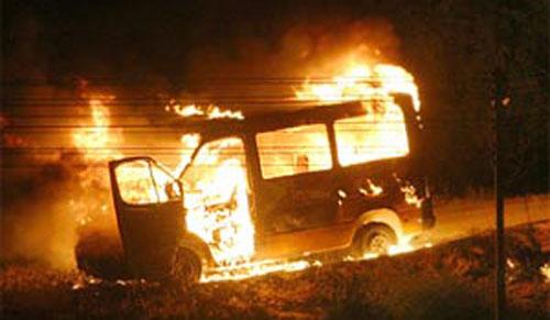 Около полудня 19 февраля в Гомеле (на улице Дружба) автомобиль «Фольксваген» сгорел вместе с водителем