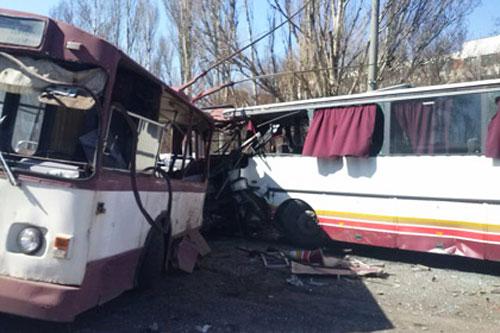 Серьезная авария – столкновение автобуса SETRA и троллейбуса – в Донецкой области Украины