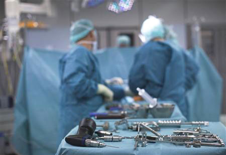 Хирурги Гродненской областной детской больницы провели уникальную операцию по извлечению металлического предмета из организма ребенка