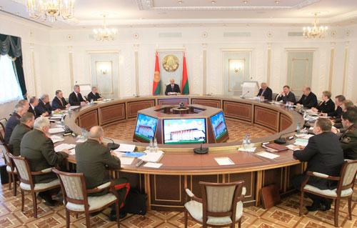 Премьер-министр Михаил Мясникович сообщил 8 апреля на заседании Совета безопасности, что иностранным болельщикам уже реализовано 70,5 тыс. билетов на матчи чемпионата мира по хоккею в Минске