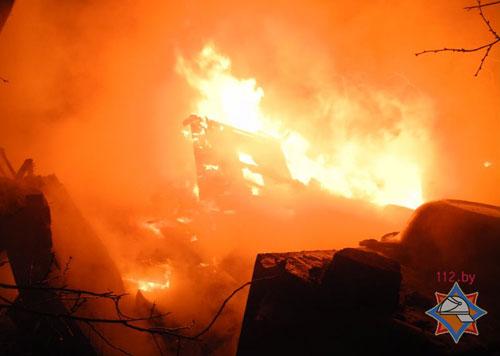 Жилой бревенчатый дом взорвался вечером 17 марта в Гомеле (по улице Лепешинского)