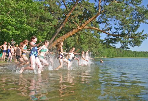 Увеличились дотации на путевки для детей в летние лагеря