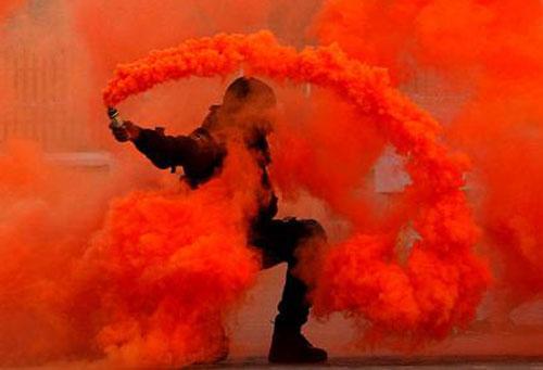 В Гомельском районе учащийся лицея получил химические ожоги при изготовлении дымовой шашки