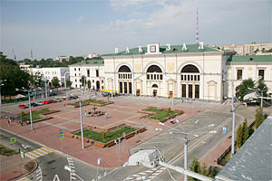 Анонимный звонок о минировании железнодорожного вокзала в Витебске поступил в дежурную часть вечером 27 марта, из здания вокзала было эвакуировано около 220 человек
