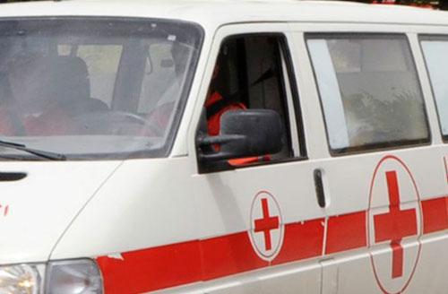 На нерегулируемом пешеходном переходе в Бобруйске (улица Пушкина, недалеко от дома 166) около 7 часов утра 10 февраля микроавтобус Renault сбил мужчину, который вез в коляске ребенка