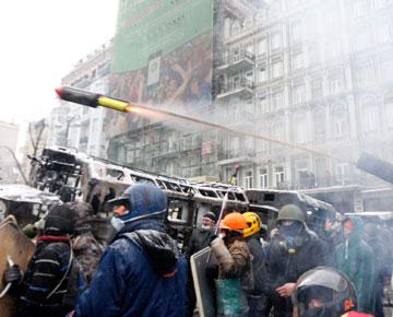украина киев майдан баррикада