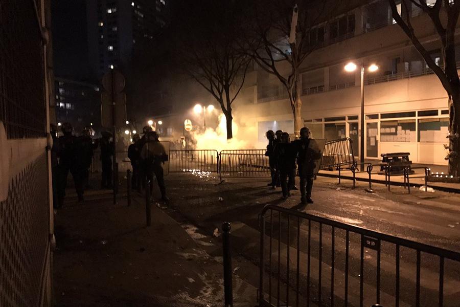 Милиция задержала 35 протестующих впроцессе беспорядков встолице франции