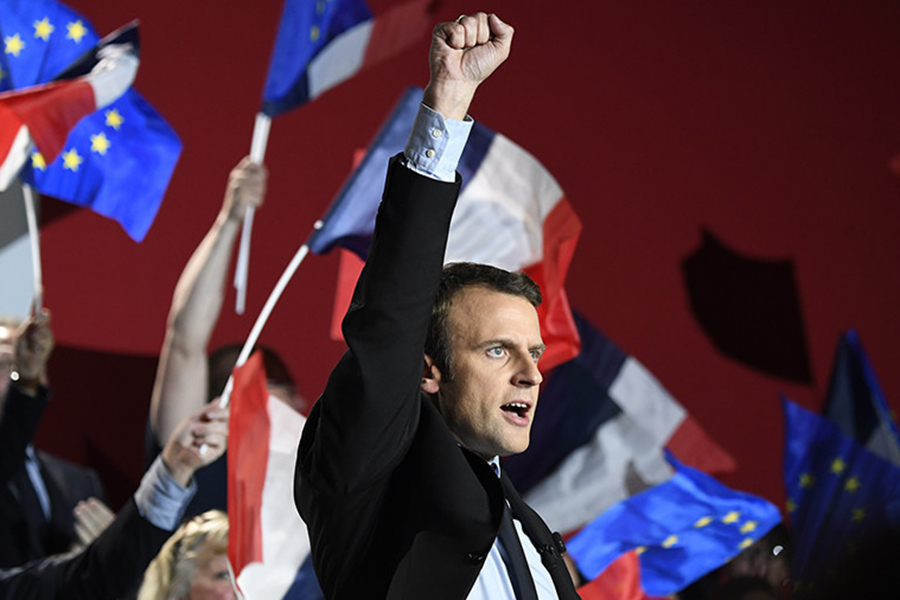 Порошенко уже поздравил Макрона спобедой— Выборы воФранции
