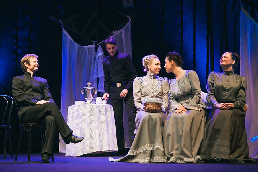 Новый драматический театр Минска приглашает на «Рождество»