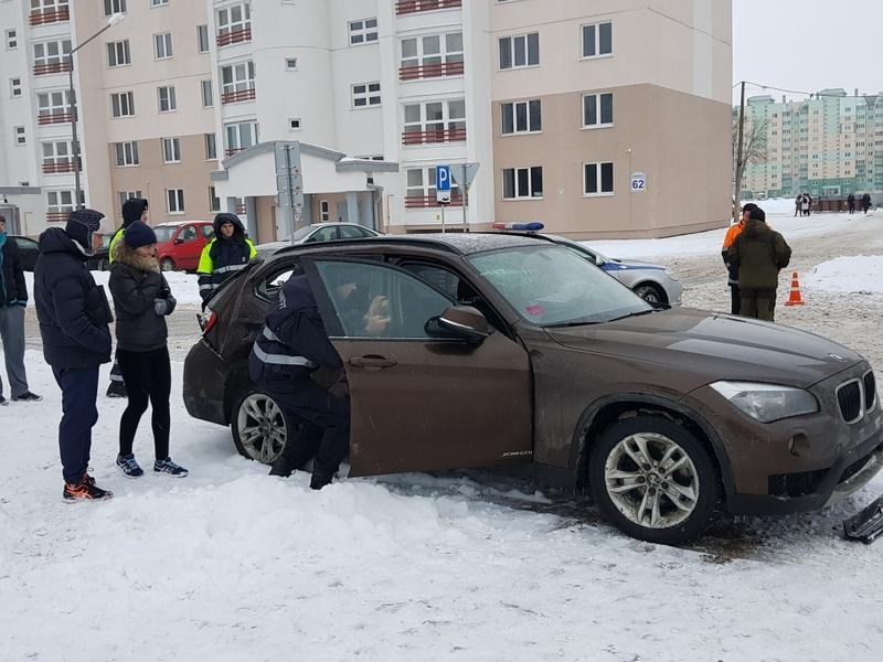 ВМогилеве шофёр БМВ сбил 3-х человек около автобусной остановки