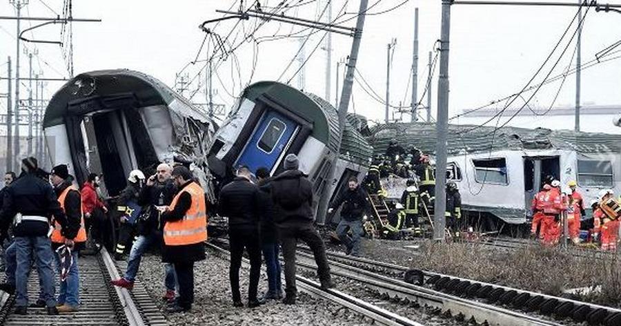 Поезд сошел срельсов впригороде Милана, погибли люди