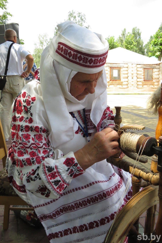 Ткачихи из Беларуси и Украины показали себя в Малорите