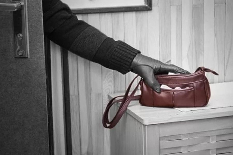 Картинки по запросу украл сумку с ключами от квартиры