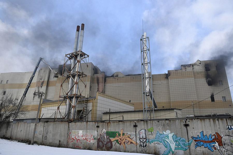Число пострадавших впожаре вКемерове возросло до76 человек