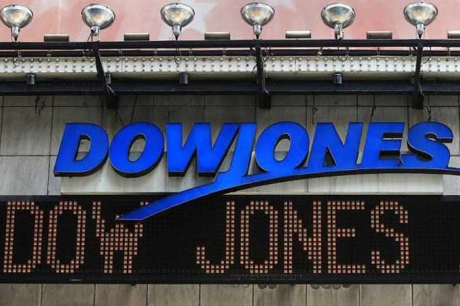 Впервый раз вистории индекс Dow Jones поборол рубеж в23000 пунктов