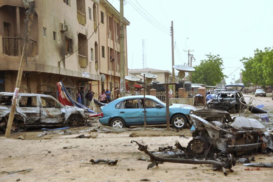ВНигерии смертница подорвалась нарынке, десятки погибших