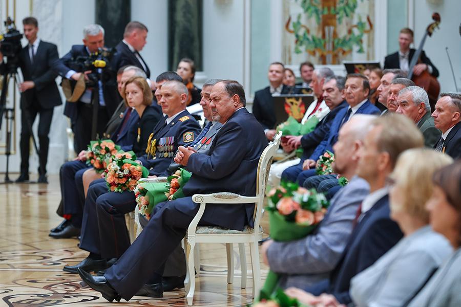 В преддверии Дня Независимости Президент вручил государственные награды