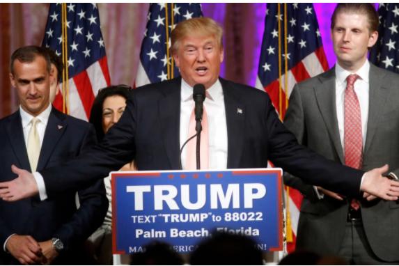 Экс-помощники Трампа поведали, как президент США обращается сподчиненными
