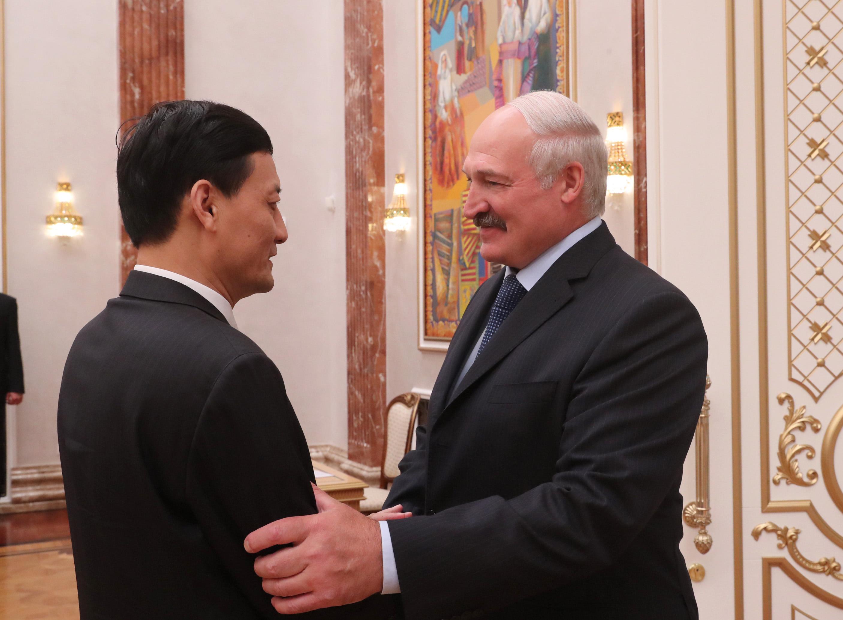 Лукашенко: Китайские компании ВПК должны прийти в республику Белоруссию