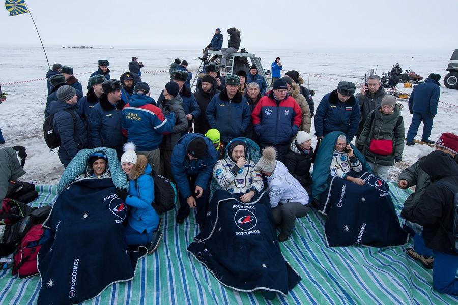 Экипаж МКС удачно приземлился встепи Казахстана