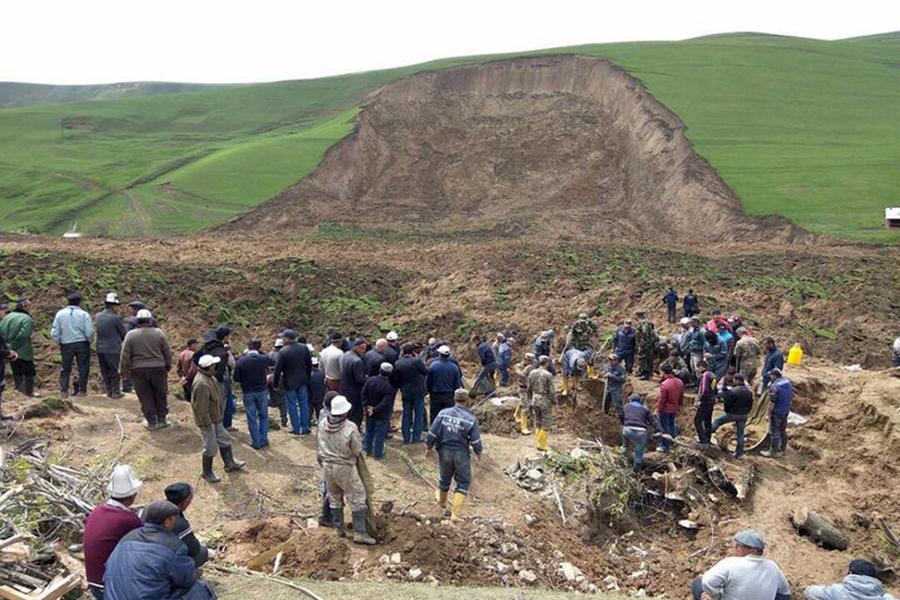 ВКиргизии сошедший нажилые дома оползень забрал жизни 4 человек