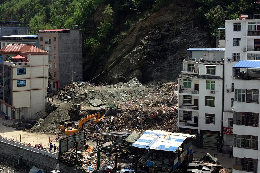 Восемь человек пропали без вести в итоге схода оползня насеверо-западе Китая