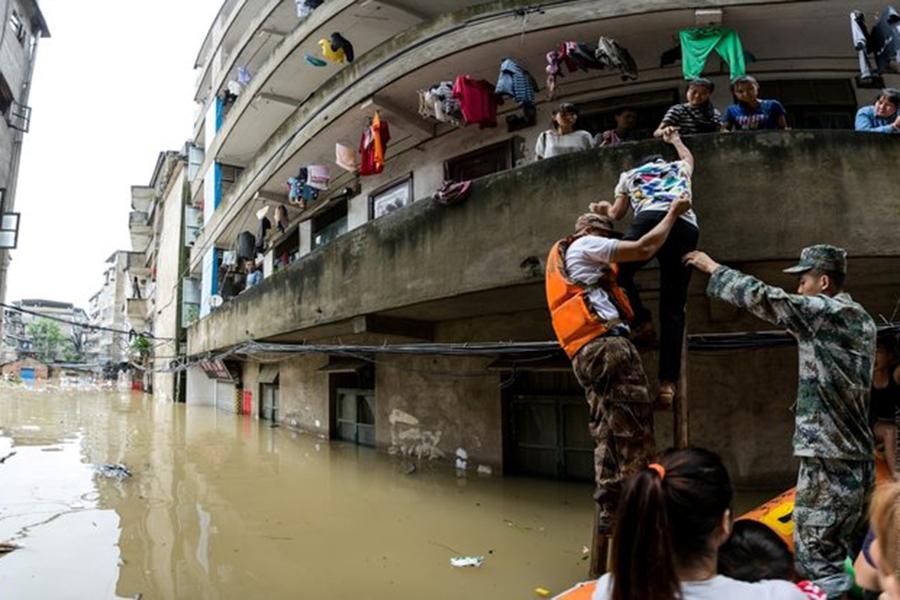 Из-за ливней в КНР погибли 83 человека, эвакуированных— 1,62 млн