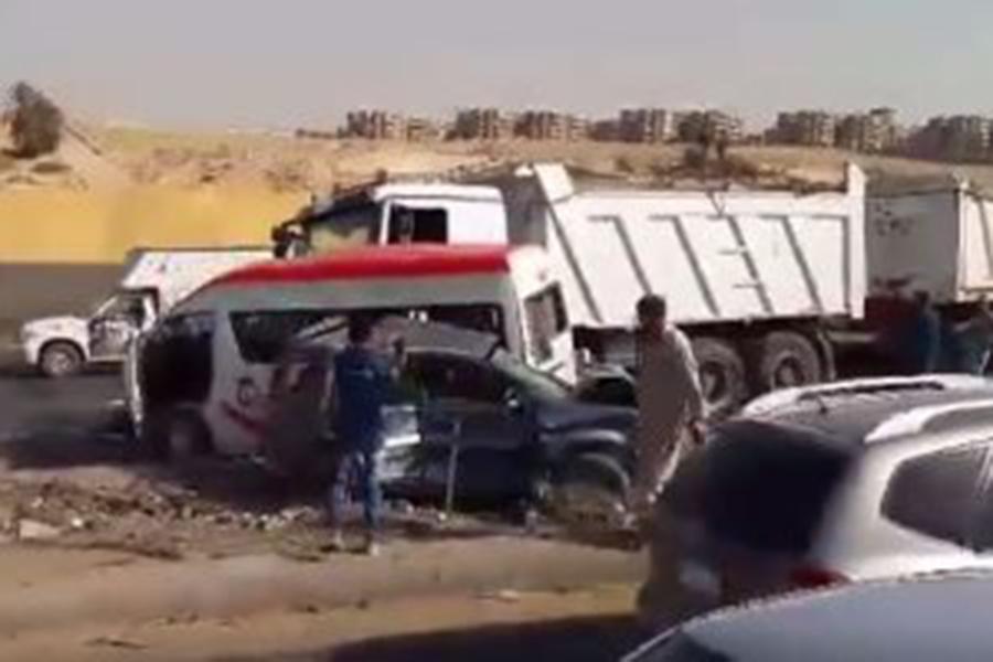 Встрашном ДТП вЕгипте погибли 13 человек: столкнулись фургон имикроавтобус