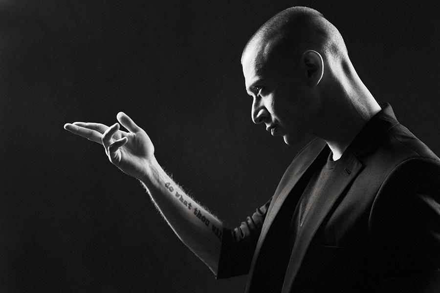 Рэпер Oxxxymiron впервый раз заполтора года порадовал фанатов новым треком