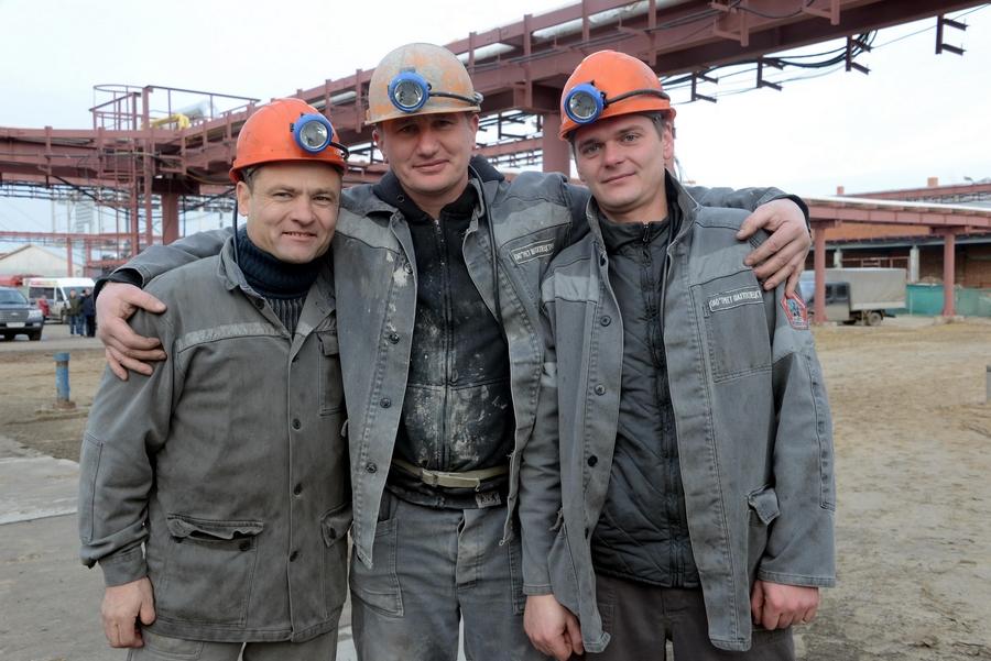 Проходчик Александр Пузевич, бригадиры Дмитрий Гребенек и Роман Галагутский