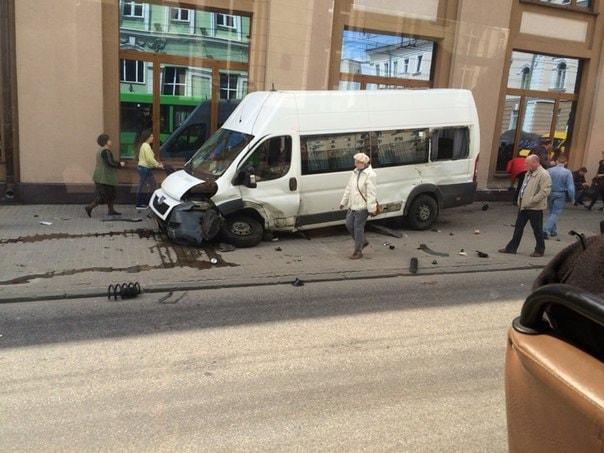 ВГомеле шофёр маршрутного такси обвиняется в трагедии спострадавшими