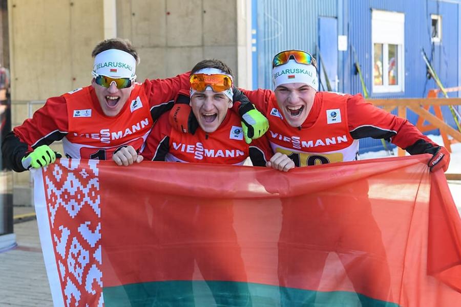 Русские биатлонисты завоевали серебро вэстафете наюношеском чемпионате мира