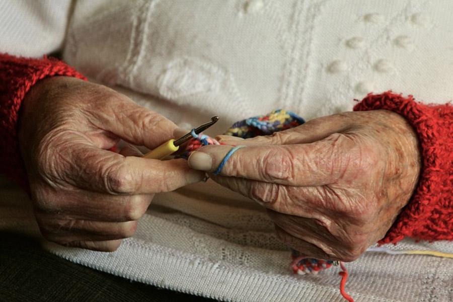 ВСвислочском районе бродяга изнасиловал иограбил 2-х  пенсионерок
